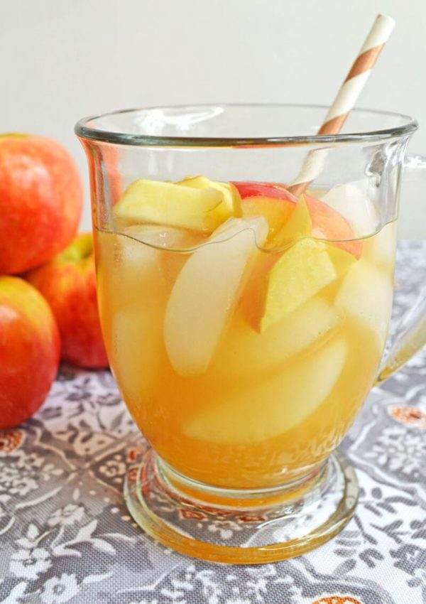 Sangria made with Caramel and Apples also known as apple pie sangria